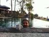 Nachmittagskafi im Pool bei Blue Corner Divers