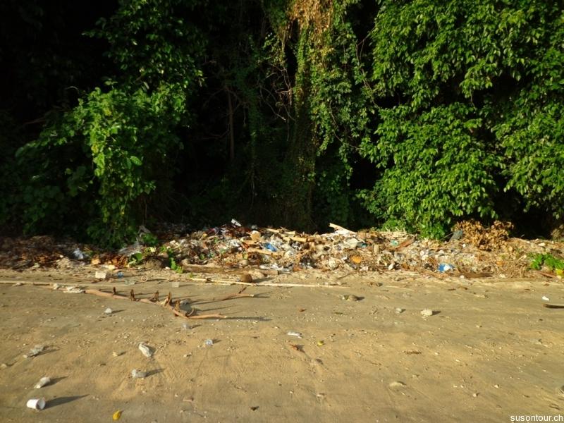 Abfall am Strand