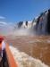 Bootsfahrt unter den Wasserfall